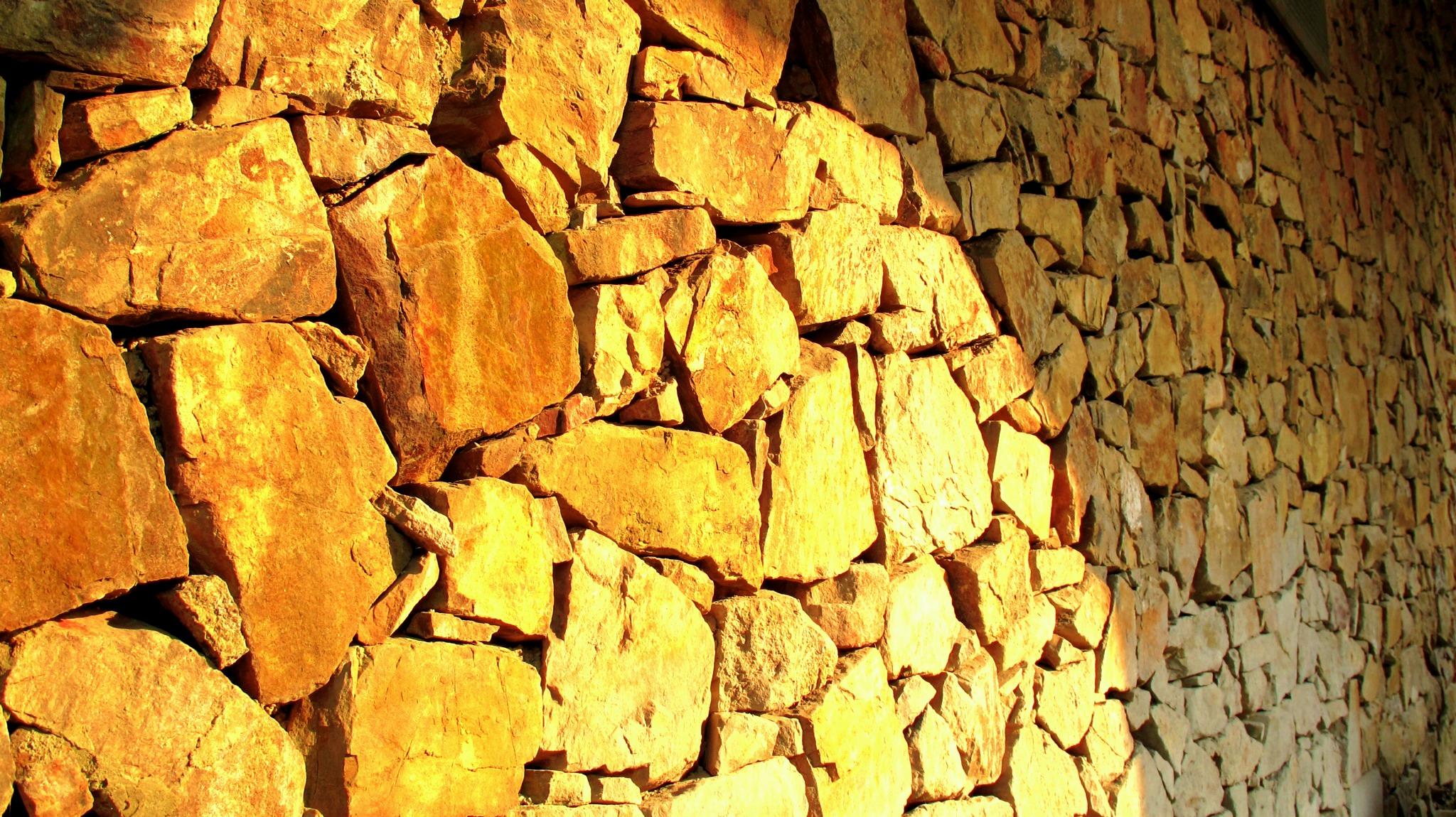 明月湾-石墙