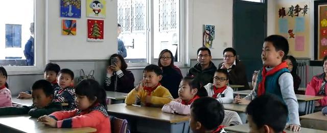 课堂室内污染严重爆表!应尽快给每个教室安装新风净化装置